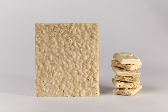 White chocolate bar with puffed rice